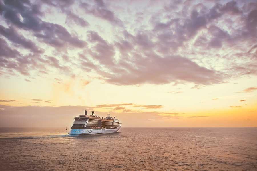 42 mil tripulantes de cruceros se encuentran a bordo de sus naves por COVID-19